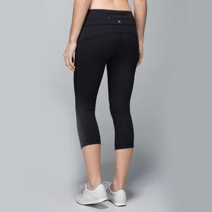 Lululemon Up The Pace Crop Black Size 6